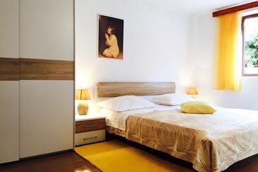 Bedroom    - A-10061-c