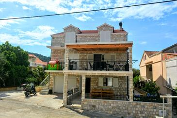 Brna, Korčula, Property 10065 - Apartments by the sea.