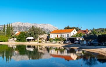 Žrnovska Banja, Korčula, Property 10066 - Apartments near sea with pebble beach.