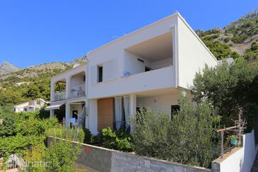Pisak, Omiš, Property 1008 - Apartments near sea with pebble beach.