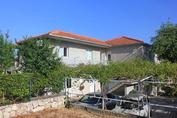 Orebić, Pelješac, Obiekt 10082 - Apartamenty ze żwirową plażą.