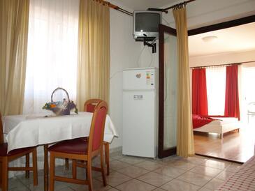 Orebić, Jídelna v ubytování typu apartment, WiFi.