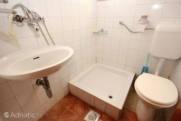 Bathroom 2   - A-10089-a