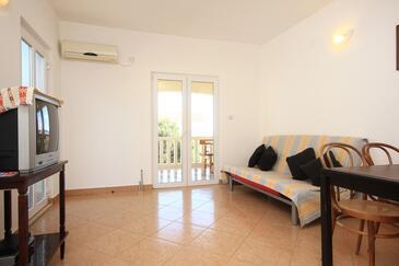 Orebić, Obývacia izba v ubytovacej jednotke apartment, dostupna klima i WIFI.