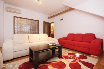 Kučište, Гостиная в размещении типа apartment, доступный кондиционер и WiFi.