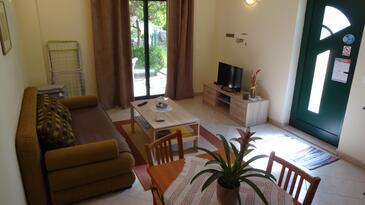 Orebić, Obývací pokoj v ubytování typu apartment, s klimatizací, domácí mazlíčci povoleni a WiFi.