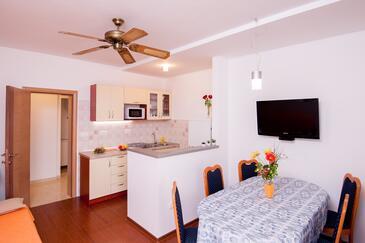 Pisak, Sufragerie în unitate de cazare tip apartment, WiFi.