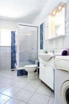 Bathroom 2   - A-10102-a