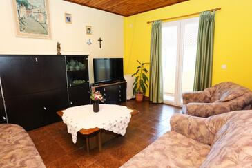Orebić, Pokój dzienny w zakwaterowaniu typu apartment, zwierzęta domowe są dozwolone i WiFi.