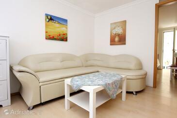Orebić, Living room 1 in the apartment, dostupna klima i WIFI.