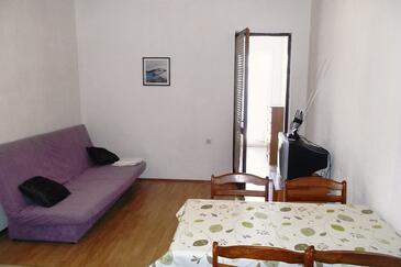 Pisak, Obývacia izba v ubytovacej jednotke apartment, dostupna klima i WIFI.