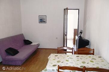 Pisak, Obývacia izba v ubytovacej jednotke apartment, klimatizácia k dispozícii a WiFi.