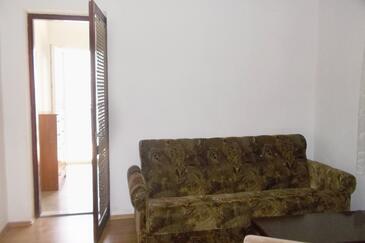 Pisak, Living room in the apartment, dostupna klima i WIFI.