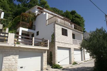 Pisak, Omiš, Property 1011 - Apartments near sea with pebble beach.