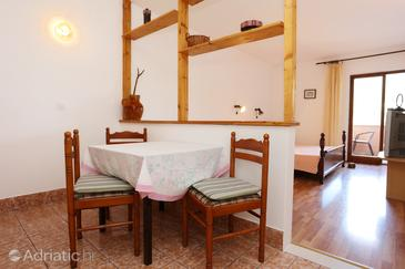 Trstenik, Dining room in the studio-apartment, WiFi.