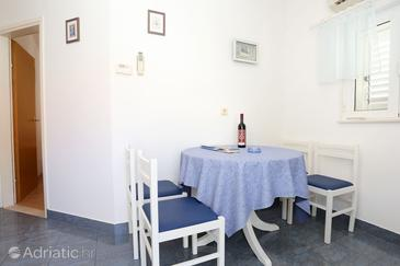 Trstenik, Dining room in the apartment, dostupna klima i WIFI.