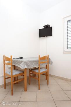 Drače, Jídelna v ubytování typu apartment, domácí mazlíčci povoleni a WiFi.