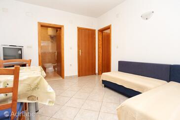 Sreser, Pokój dzienny w zakwaterowaniu typu apartment, WiFi.