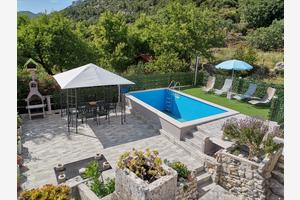 Family friendly apartments with a swimming pool Kučište - Perna, Pelješac - 10143