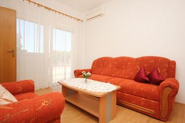 Orebić, Obývací pokoj v ubytování typu apartment, dostupna klima i WIFI.