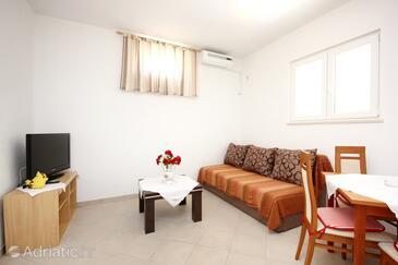 Orebić, Гостиная в размещении типа studio-apartment, доступный кондиционер и WiFi.