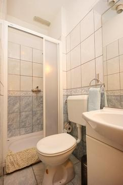 Bathroom 2   - K-10165