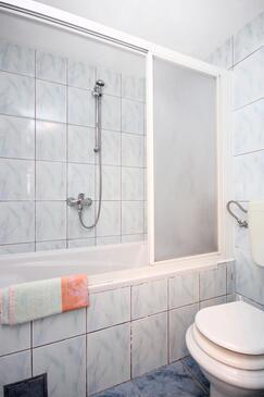 Bathroom 3   - K-10165