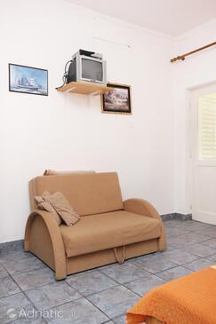 Orebić, Living room in the studio-apartment, dopusteni kucni ljubimci i WIFI.