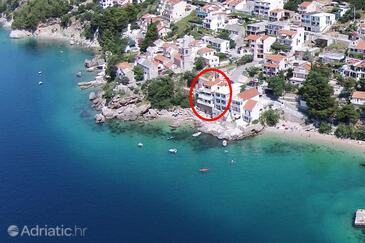 Pisak, Omiš, Objekt 1018 - Ubytování v blízkosti moře s oblázkovou pláží.