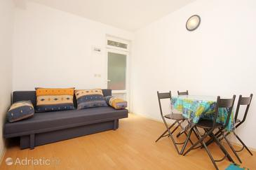 Trpanj, Dining room in the apartment, air condition available and WiFi.