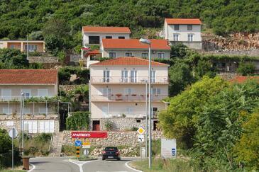 Trpanj, Pelješac, Объект 10180 - Апартаменты с галечным пляжем.