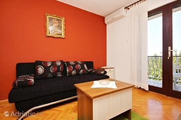 Lovište, Living room in the apartment, dostupna klima i WIFI.