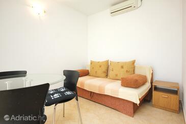 Viganj, Living room in the apartment, dostupna klima.