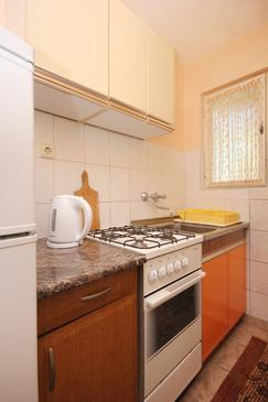 Viganj, Kitchen in the apartment.