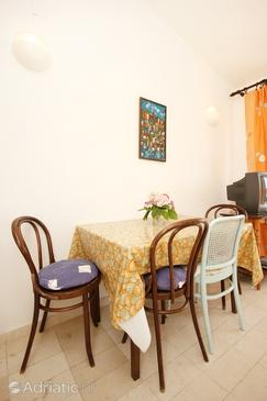Viganj, Dining room in the apartment, dopusteni kucni ljubimci i WIFI.