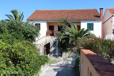 Sreser, Pelješac, Property 10206 - Apartments near sea with pebble beach.