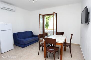 Pještata, Living room in the apartment, dostupna klima, dopusteni kucni ljubimci i WIFI.