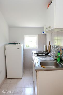 Drače, Kitchen in the apartment, (pet friendly) and WiFi.