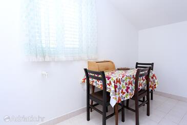 Drače, Dining room in the apartment, dopusteni kucni ljubimci i WIFI.