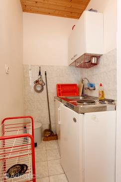 Drače, Kitchen in the studio-apartment, dopusteni kucni ljubimci i WIFI.