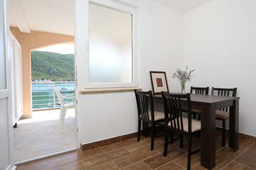Brijesta, Jedáleň v ubytovacej jednotke apartment, klimatizácia k dispozícii a WiFi.