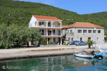 Brijesta, Pelješac, Property 10223 - Apartments near sea with pebble beach.