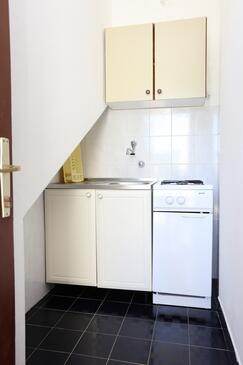 Kabli, Kitchen in the studio-apartment.