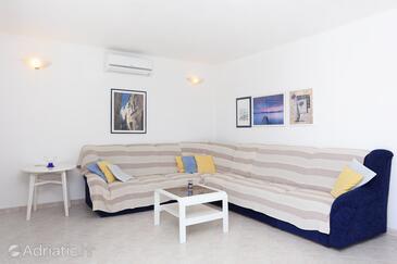 Kalebova Luka, Living room in the apartment, dostupna klima i WIFI.