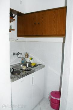 Marušići, Kitchen in the studio-apartment, WiFi.