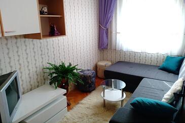 Vinišće, Obývací pokoj v ubytování typu apartment, domácí mazlíčci povoleni a WiFi.