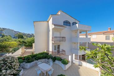 Podstrana, Split, Alloggio 10249 - Appartamenti affitto con la spiaggia sabbiosa.