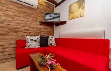 Orebić, Гостиная в размещении типа apartment, доступный кондиционер, Домашние животные допускаются и WiFi.