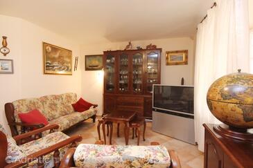 Orebić, Living room 1 in the house, dostupna klima, dopusteni kucni ljubimci i WIFI.