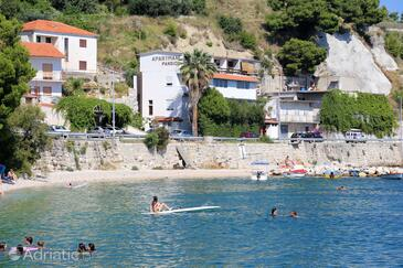 Krilo Jesenice, Omiš, Property 10266 - Rooms near sea with pebble beach.